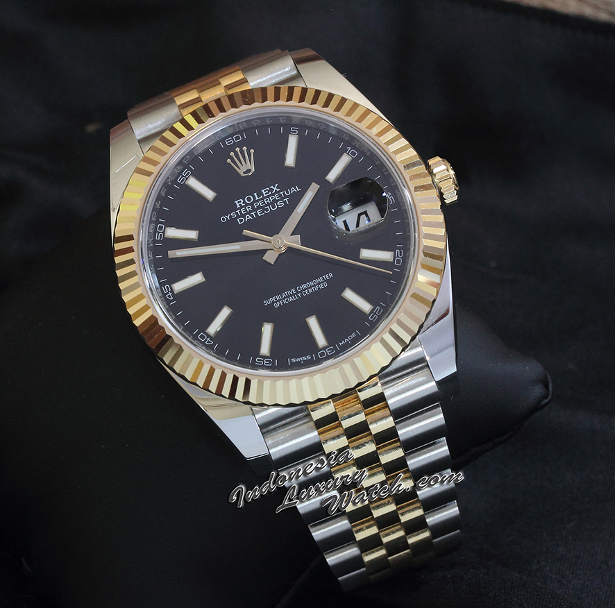 Rolex Datejust 126333 – 41mm – Black Dial (Gold Combination)